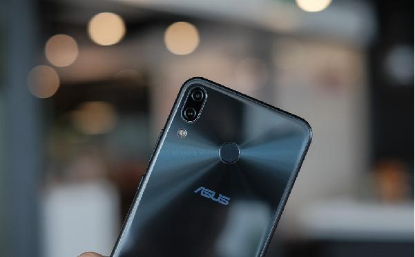 Đánh giá màn hình và âm thanh của zenfone 5z 2018