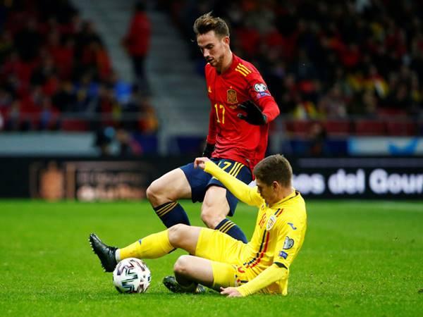 Tây Ban Nha giành vé dự Euro, HLV Moreno từ chức