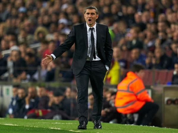 HLV Valverde muốn đến Australia hơn Premier League