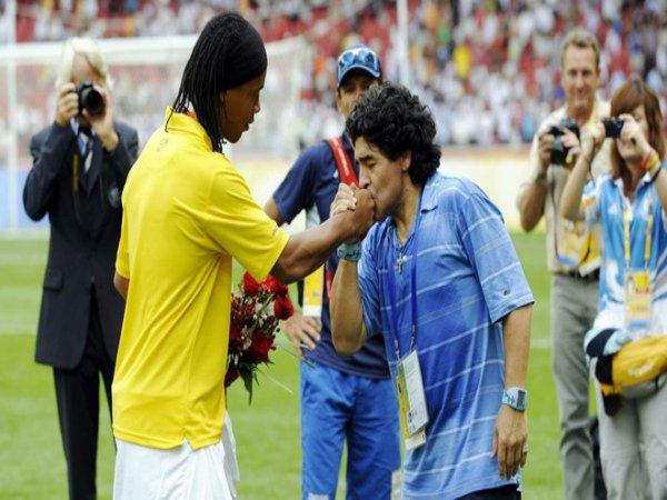 Ronaldinho có thể trở lại thi đấu chuyên nghiệp