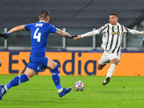 Bóng đá quốc tế 3/12: Ronaldođạt cột mốc ghi bàn ấn tượng