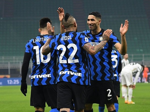 Bóng đá quốc tế tối 18/1: Inter thắng Juventus 2-0