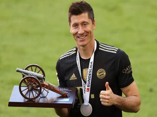 Tin bóng đá 2/6: Lewandowski xô đổ kỷ lục tại đấu trường Bundesliga